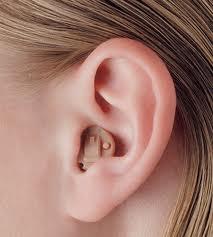 Comment choisir la mutuelle pour les prothèses auditives ?