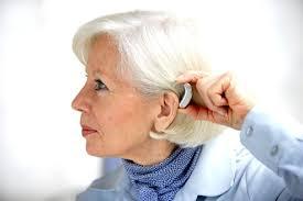 Mutuelle senior de plus de 50 ans : la garantie des prothèses auditives