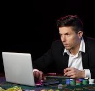 Mutuelle auto entrepreneur : joueur de poker professionnel